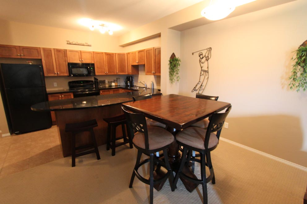 1314 Kelowna 2 Bedroom Vacation Rental Pinnacle Pointe Rentals